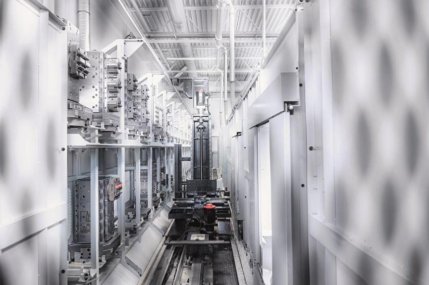 A DMG MORI saját szerszámgépeinek automatizálását a digitális gyárak kulcsfontosságú alapjának tekinti